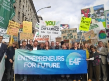 "Foto:  obs/Entrepreneurs for Future Mehr als 1.200 Teilnehmer beim ""Business-people on climate strike"